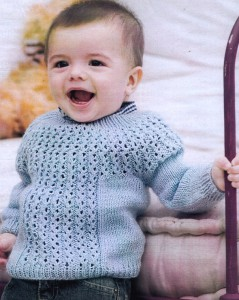 свитер мальчику спицами