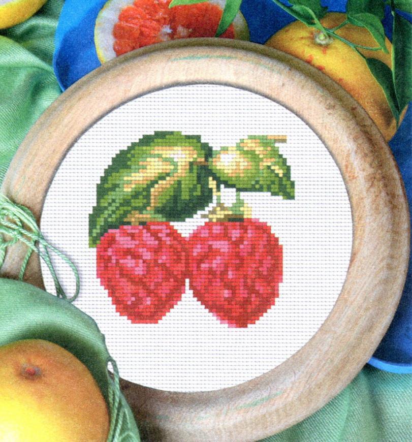 вышивка ягоды